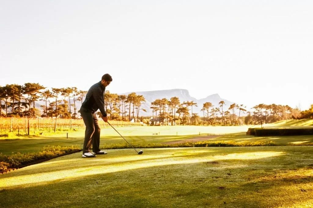 ゴルフの初心者はスタート3ホールはスコア見ずに調子様子見で!